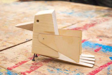 drewniany ptaszek, zabawka